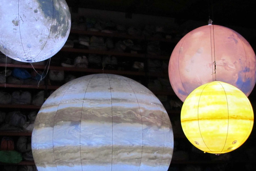 inflatable projection with planets-#6